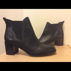 Sam Edelman Size 9 Black Leather Ankle Boots